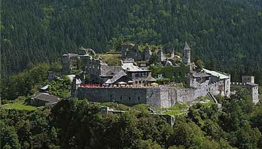 Burg Landskron bei Villach am Ossiacher See in Kärnten