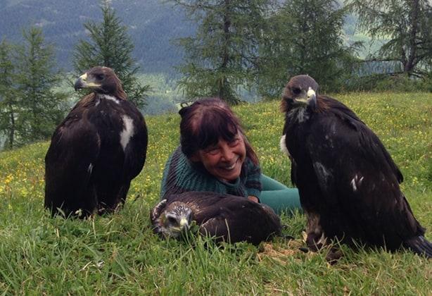 Angelika Wohinz mit Jungadler
