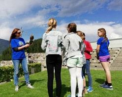 Schulklassen Führung Greifvogelwarte bei Villach Kärnten - Schüler
